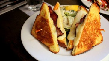 grilled-cheese-with-bacon-7-west-cafe-toronto